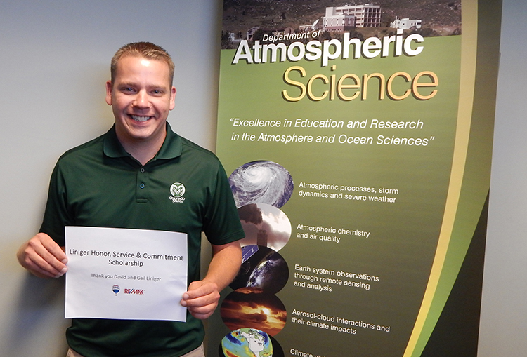 Ryan Riesenberg thanks Linigers for scholarship