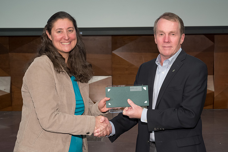 Ilana Pollack accepts Outstanding Researcher Award