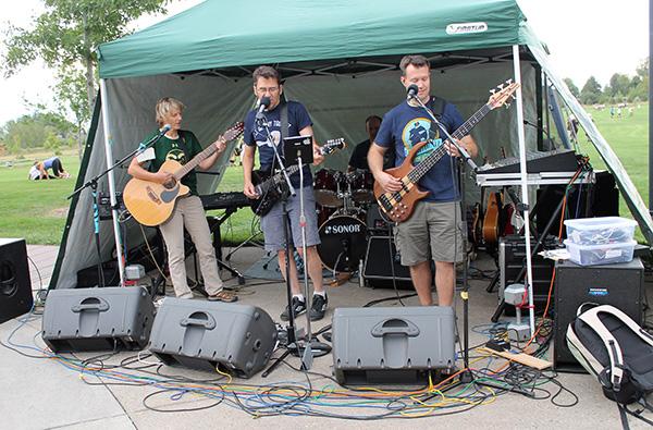 Band plays at picnic