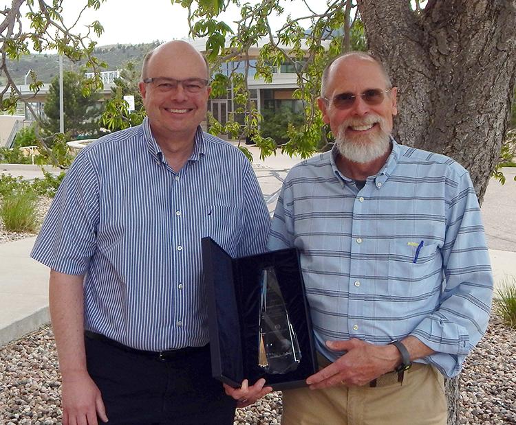 2016 Distinguished Alum Award